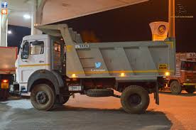 tata tippers refueling at night in belgaum biswajit svm chaser