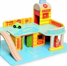Plan Toys Parking Garage Wooden Set by Nouveau Parking Garage En Bois Plantoys Www Lepingouindelespace
