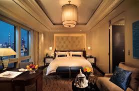 modern platinum bedroom interior design at mumbai hotel pictures