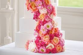 real flowers wedding cake ideas with real flowers interflora