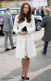 duchess kate kate u0027s duchess of downton on set visit