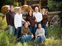 best 25 rustic family pictures ideas on family posing