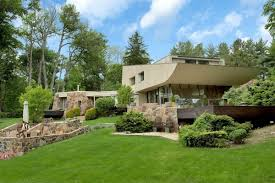 sculptural norman jaffe home on two acres asks just under 4m curbed
