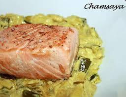 comment cuisiner le pavé de saumon recette de pavé de saumon sur lit de poireaux