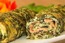 cuisiner oseille recette omelette roulée à l oseille et au saumon la recette facile