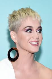 katy perry u0027s hair and makeup for the vmas is extremely