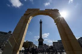palmyra u0027s triumphal arch rebuilt in london cnn style