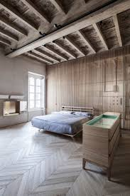 Schlafzimmer Mit Holzdecke Einrichten Alt Und Neu Beim Einrichten Mixen Wohnung In Italien Aus Dem 15 Jh