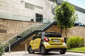 smart fortwo cabriolet u2013 the urban joy toy extending summer