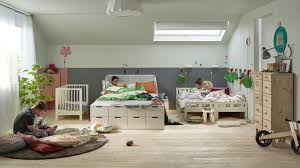 peinture mur de chambre peinture mur chambre bebe chambre montessori avec lit montessori en
