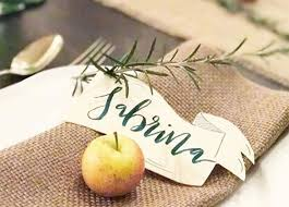 11 diy thanksgiving place cards to dress up your table