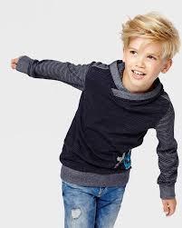 Frisuren F D Ne Haare Und Hohe Stirn by Die Besten 25 Kinderfrisuren Jungen Ideen Auf Junge