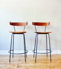 furniture black iron bar stool with brown stain wooden seat and black iron bar stool with brown stain wooden seat and curved back endearing kitchen stools with back for modern interior design