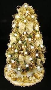 beautiful hand decorated tabletop christmas tree decor ideas