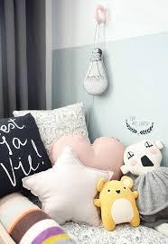coussin chambre enfant jolis coussins pour chambre d enfant