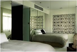 Floor To Ceiling Mirror by Mirrors In The Bedroom U2013 How To Use Mirrors To Expand Space