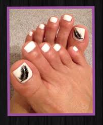 my white toes u0026 feather design gorgeous nails by vicky