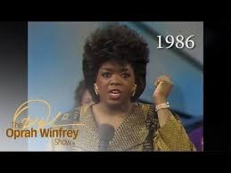 oprah winfrey new hairstyle how to the 25 year evolution of oprah s hairstyle in less than 2 minutes
