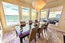 5 Bedroom Vacation Rentals In Florida 8 Amazing Oceanfront Rentals In Destin Fl The Flipkey Blog