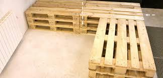 canapé d angle en palette canapé d angle en palette de bois canapé palettes