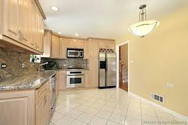 Light Wood Kitchen Backsplash For Kitchens With Light Cabinets Pictures Of Kitchens