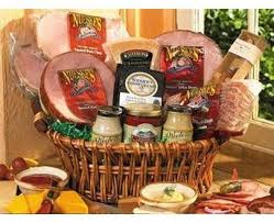 Best Holiday Gift Baskets Great 25 Best Gift Baskets Ideas On Pinterest Gift Basket Cheap