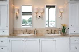 cosy jack and jill bathroom for your interior design home builders