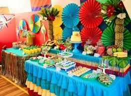 decorate your luau hawaiian with colorful decors such as paper