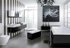 wandfarben badezimmer wandfarbe ideen mit elegnaten streifen in schwarz und weiß