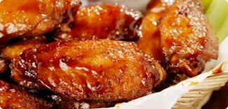 cuisiner des ailes de poulet de poulet buffalo et trempette au fromage et fines herbes
