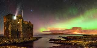 when do you see the northern lights in iceland where when to see the northern lights travelzoo uk