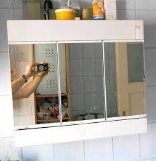 steckdose badezimmer alibert spiegelschrank fürs badezimmer mit beleuchtung und