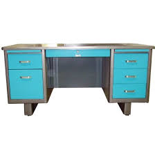 Blue Computer Desk by Best 25 Metal Desks Ideas On Pinterest Wood And Metal Desk