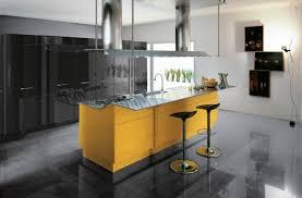 idees cuisine moderne design interieur idée de cuisine moderne ilot central couleur jaune