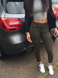 straight hair with outfits adorable car clothes curled hair cute everyday fashion hair