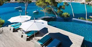 Large Cantilever Patio Umbrella Commercial Umbrellas Large Cantilever And Modern Umbrellas