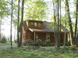 the lakewood lodge is a waterfont log home on beautiful bass lake