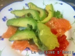 cuisiner le saumon fumé recette saumon fumé au guacamole et sorbet avocat la cuisine