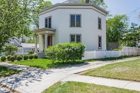 Octagon Shaped House Plans When Eight Makes Great 3 Historic Octagonal Houses For Sale Curbed