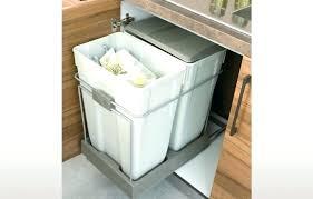 poubelle cuisine encastrable coulissante poubelles de cuisine encastrables poubelle encastrable coulissante