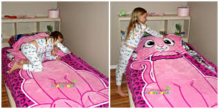 kids can make their bed easily with zippy sack