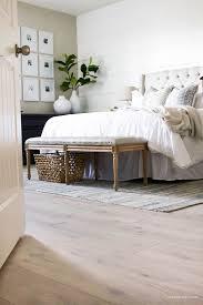 Modern Bedroom Flooring Wwwdesigncasanovacom - Bedroom floor