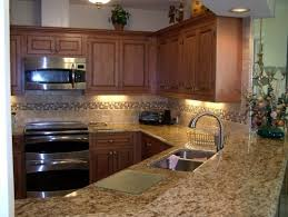 pictures of kitchens with maple cabinets 79 best maple kitchen cabinets images on pinterest maple kitchen