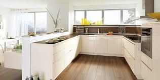 cuisine design blanche cuisine design blanche sans poignée photo 13 20 avec un plan