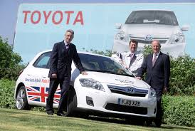 lexus uk managing director smmt industry forum drives the flag with toyota u0027s british built