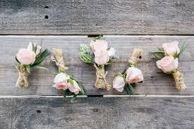 boutonniere cost wedding boutonnieres 101 weddingwire