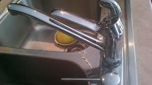 moen kitchen faucet leaking moen kitchen faucet leaking from top and bottom terry