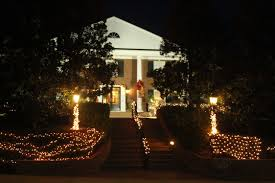 greek houses radiant with christmas spirit hottytoddy com
