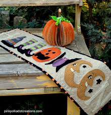 halloween table runner pattern wool halloween table runner pink polka dot creations