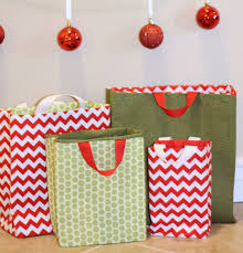 cloth gift bags fabric gift bags tutorial fabric gift bags tutorials and fabrics